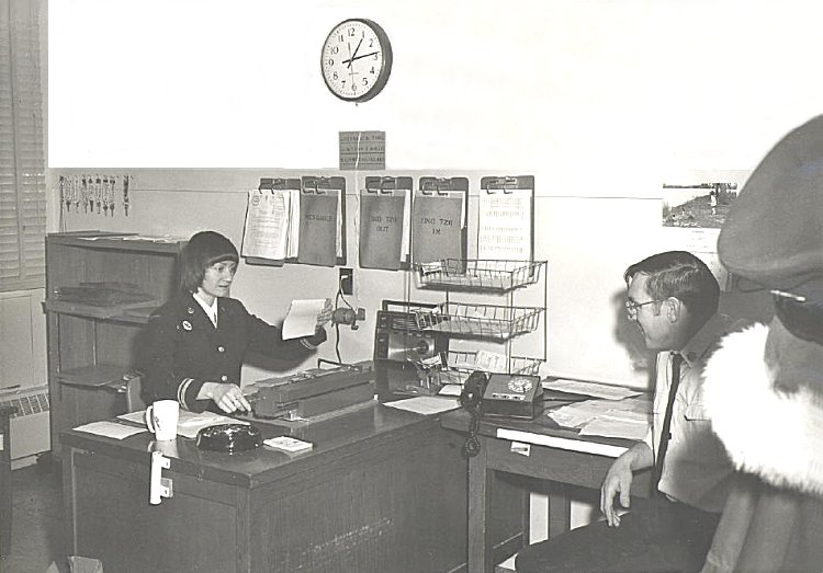Lt Gayle Boyce and Frank Lahey in the MIR - January 1974
