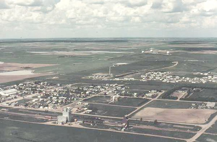 Village of Alsask, PMQ's and Operations site - 1985